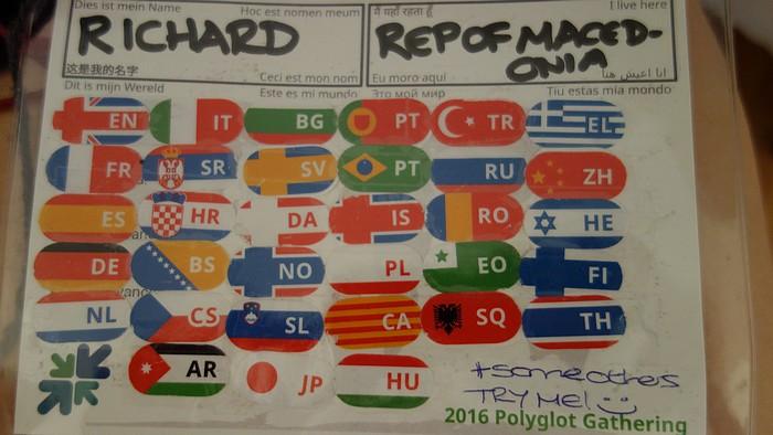polyglotské stretnutie kartička s jazykmi